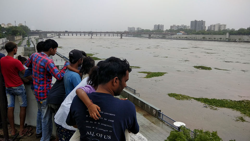 Heavy monsoon rains lash western India, killing 16
