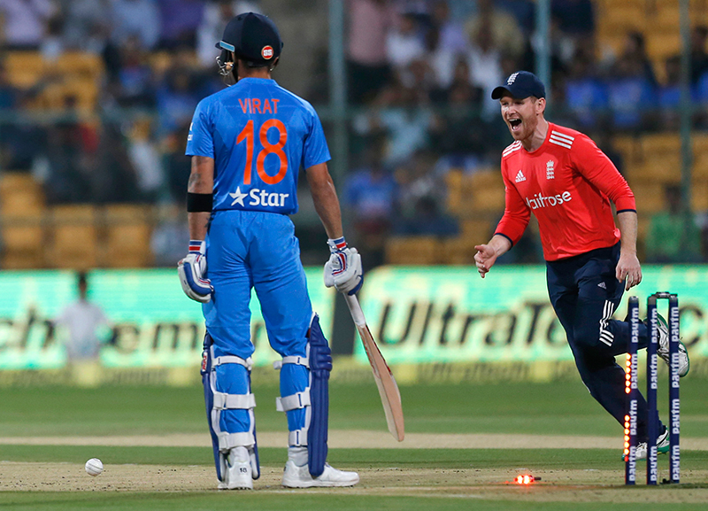 England win toss and opt to bowl in 3rd T20