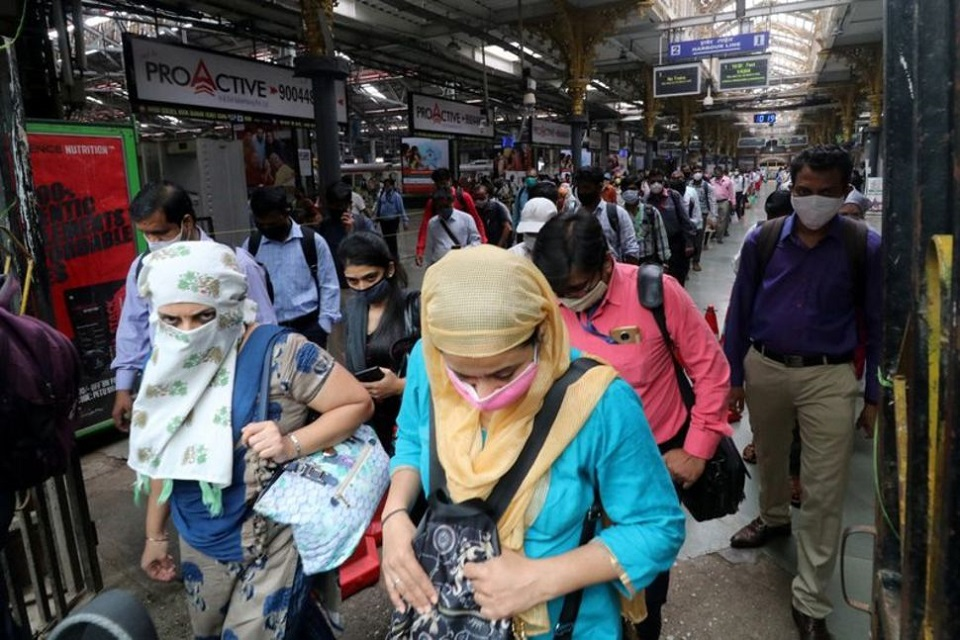 India's coronavirus infections cross six million