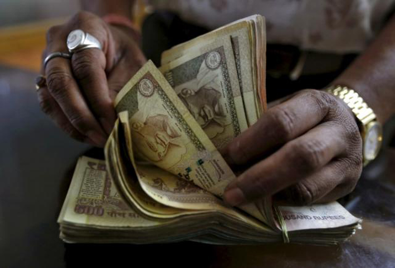 India withdraws 500, 1000 rupee notes in graft fight
