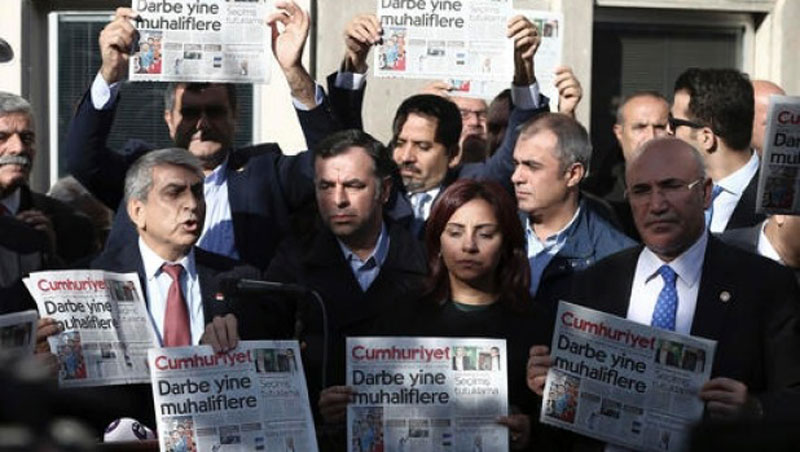 More journalists jailed in 2016 than in three decades