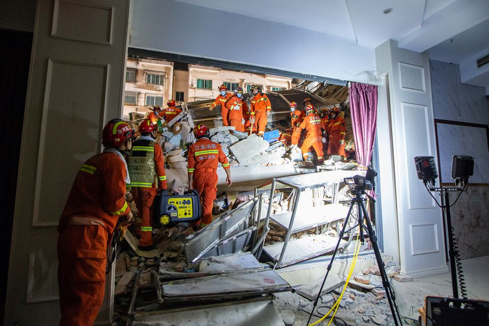 Death toll rises to 17 in partial collapse of China hotel