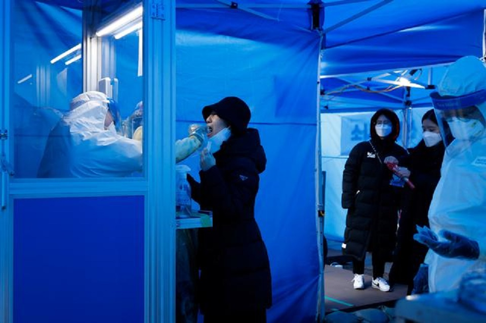 S.Korea reports record coronavirus deaths as lockdown fears spark panic buying
