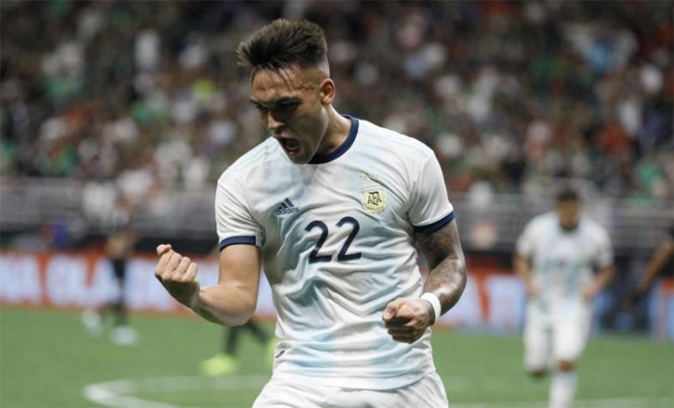 Martinez scores hat-trick as Argentina hammer Mexico 4-0