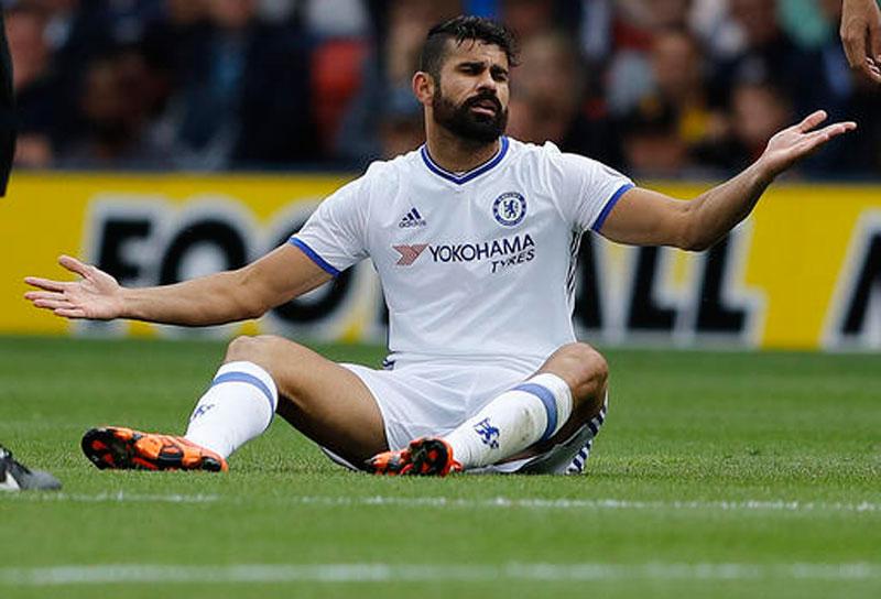 Premier League stars face early-season clampdown by refs
