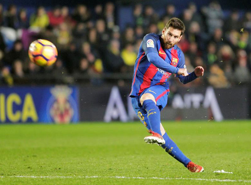 Barca boss fears €700m may not be enough to keep Messi