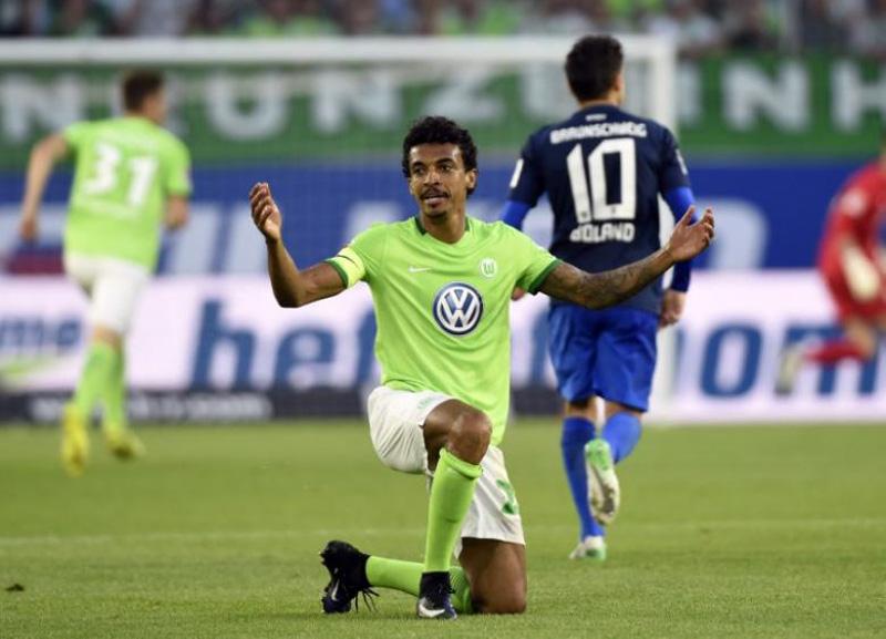 Brazil midfielder Gustavo leaves Wolfsburg for Marseille