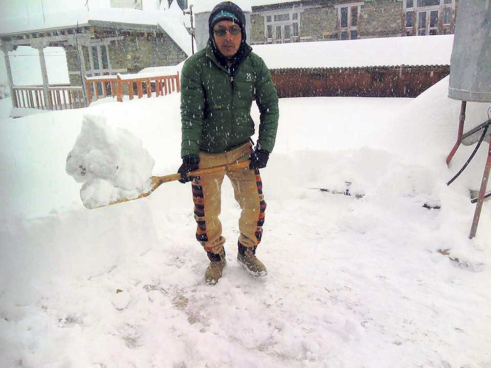 Lack of snowfall in mountain districts worries residents