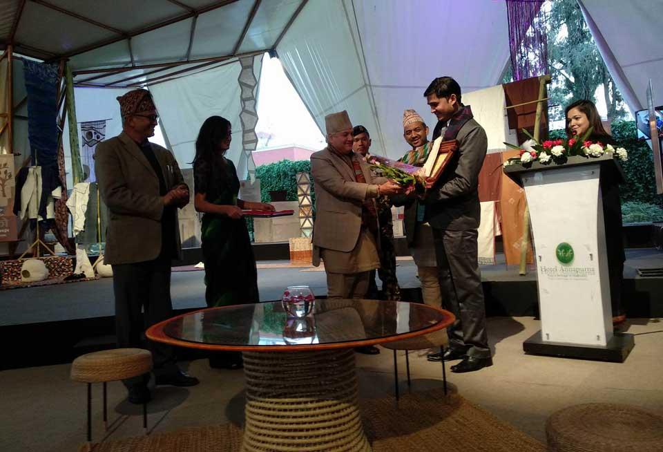 Mahesh Kumar bagged PAF National Journalism Award – 2017