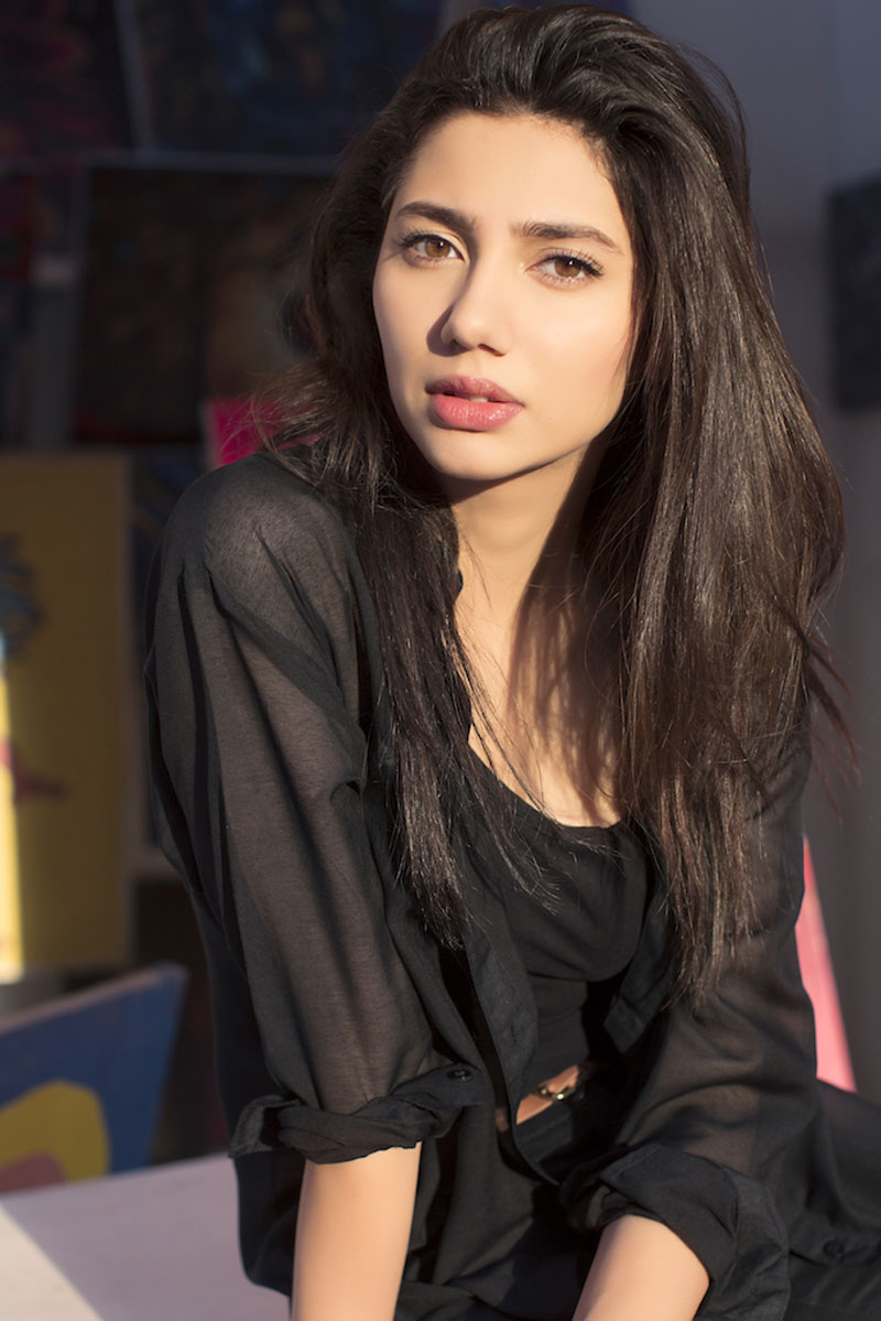 Pakistanis shouldn't be inspired by India and Bollywood: Mahira Khan
