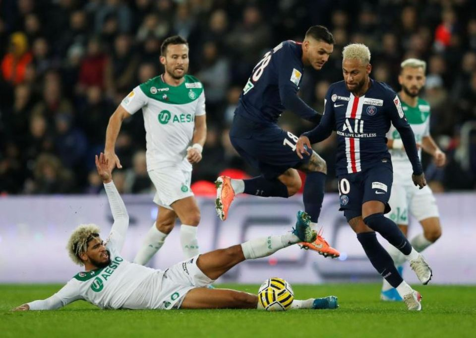 Icardi on fire as PSG demolish St Etienne in League Cup