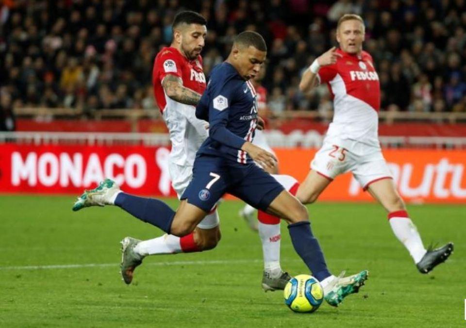 PSG crush Monaco 4-1 to extend Ligue 1 lead