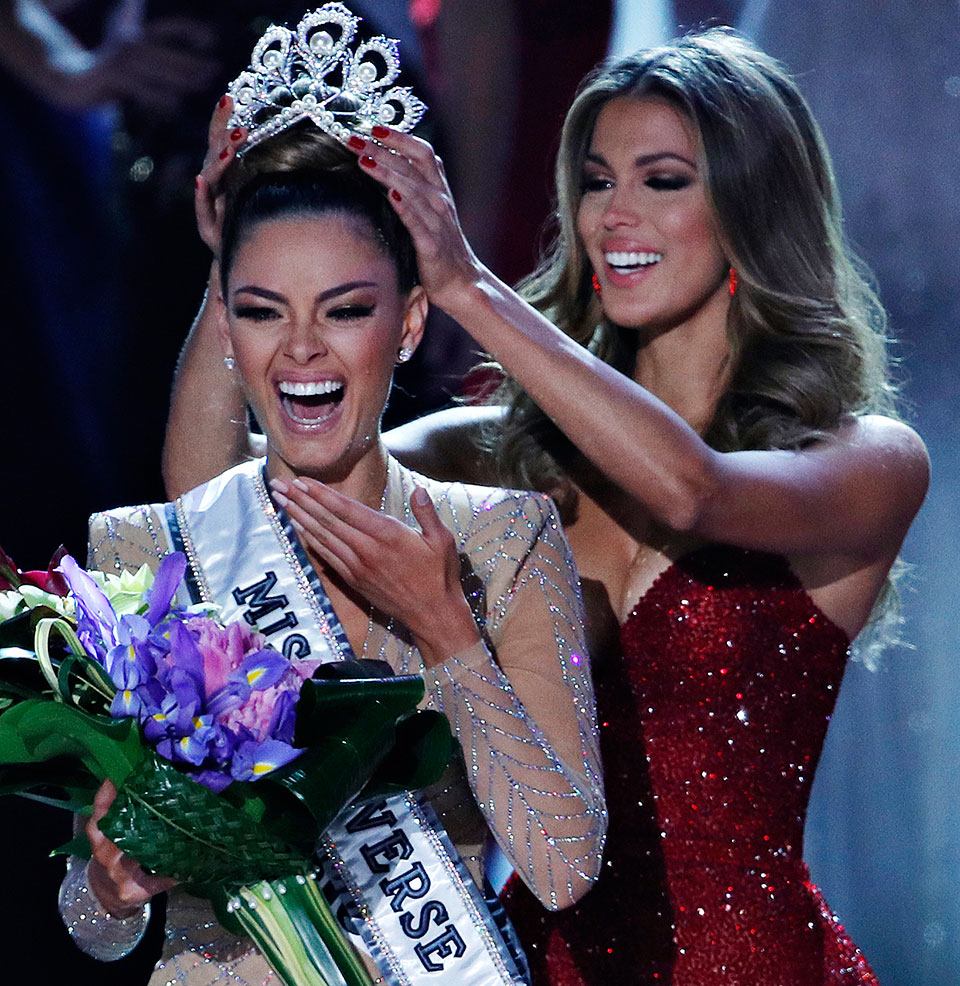 Demi-Leigh Nel-Peters crowned Miss Universe of the year 2017 (with video)