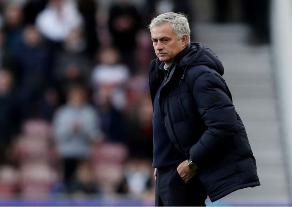 Mourinho's Spurs pose tricky test for Liverpool