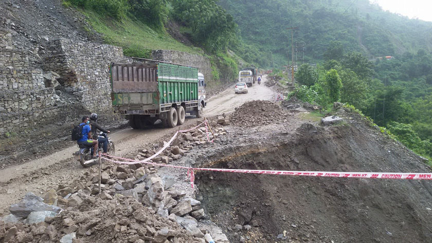 Narayangadh-Mulging road disrupted; passengers facing bad time in Nawalparasi