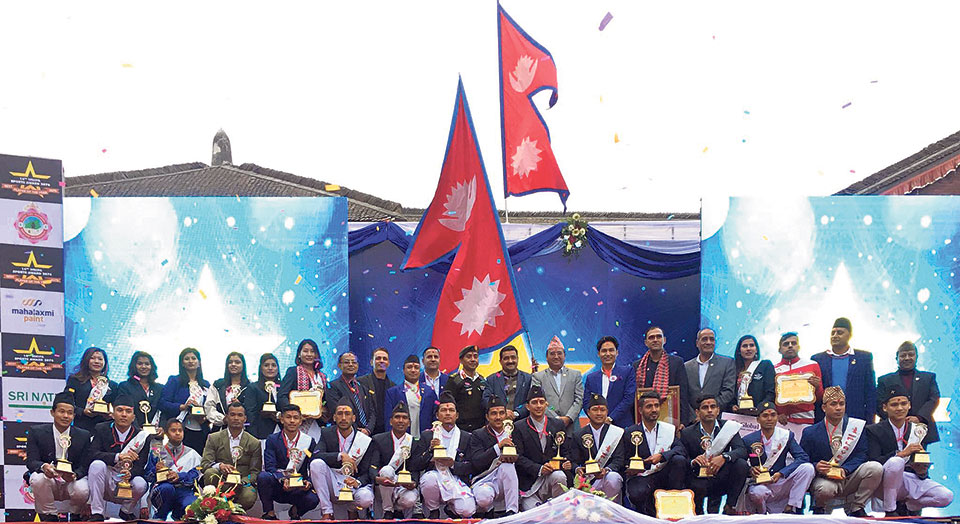 Adhikari, Gurung win NNIPA awards