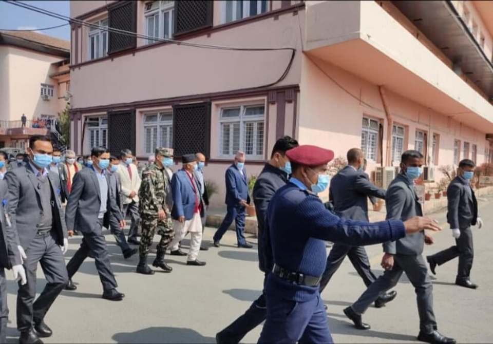 PM Oli presents himself before Supreme Court with written response