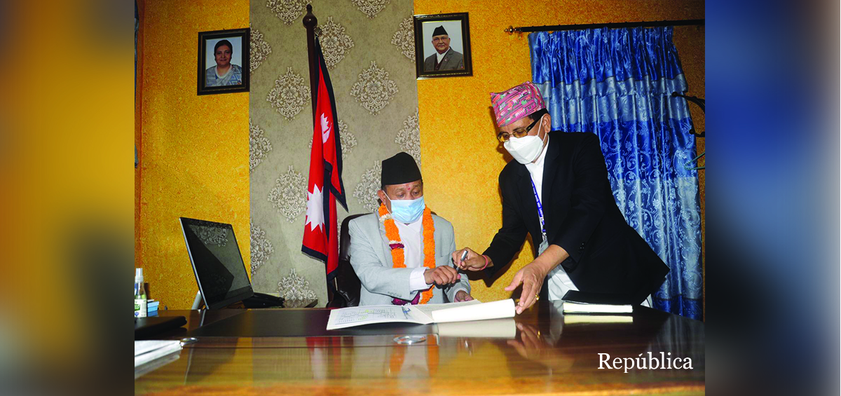 New Communication Minister Gurung takes office (with photos)
