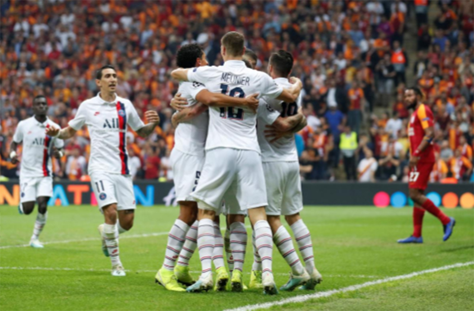 PSG win at Galatasaray to take control of group