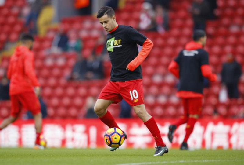 Liverpool, without Coutinho, out to halt Man City march