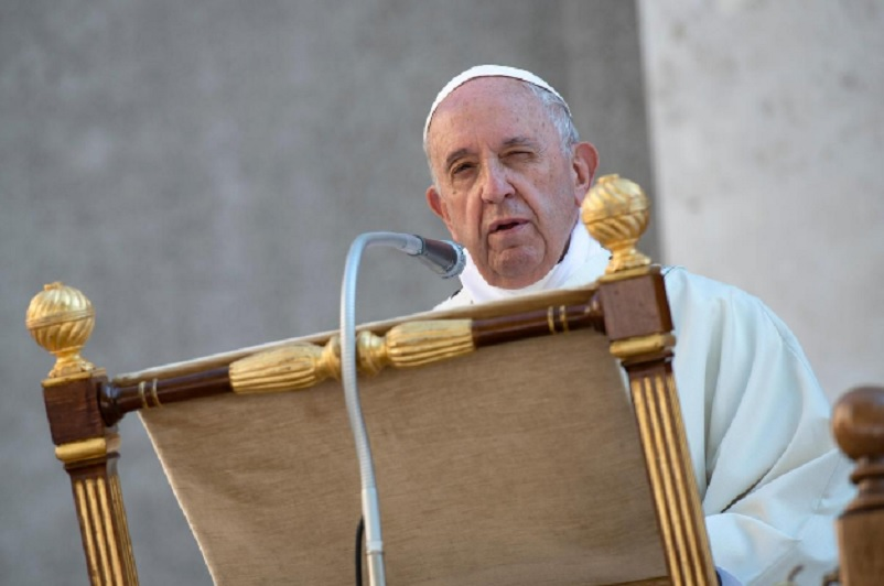 Pope condemns spate of U.S. gun violence, prays for victims