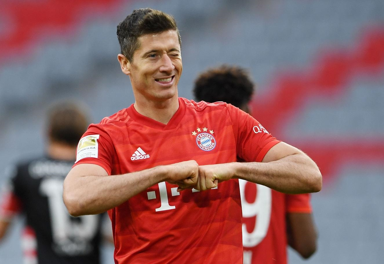 Five-star Bayern thrash Fortuna to close in on league title