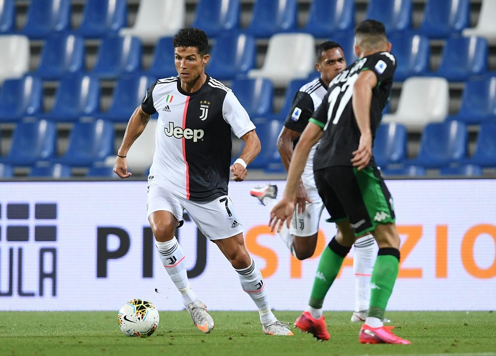Ronaldo draws blank as jittery Juve held at Sassuolo