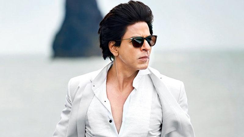 SRK's car ran over a photographer