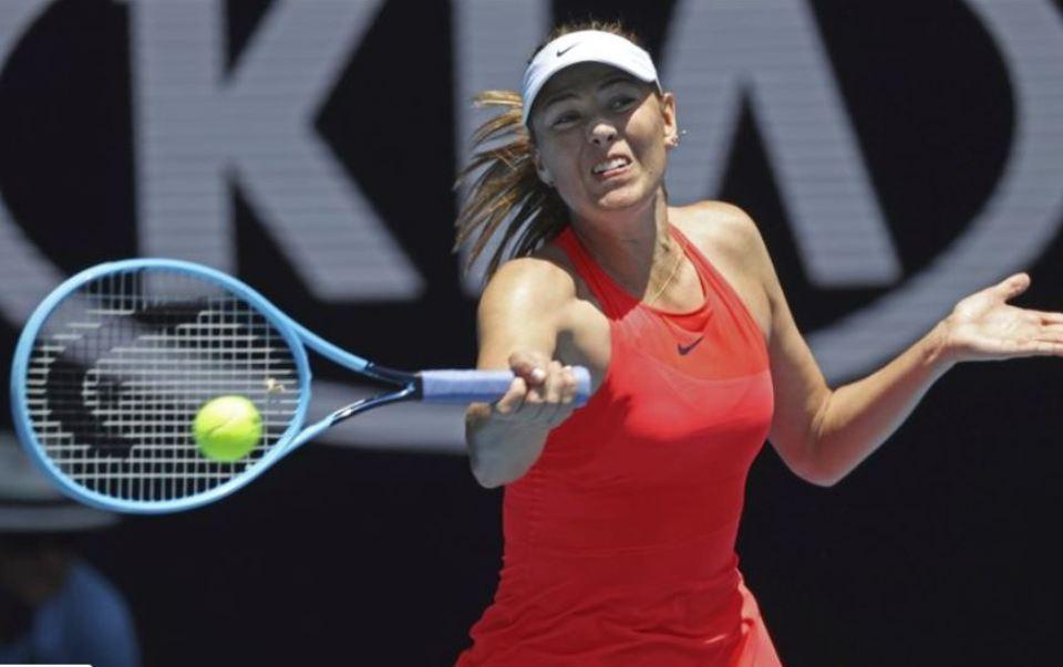 Sharapova loses, Nadal advances at Australian Open