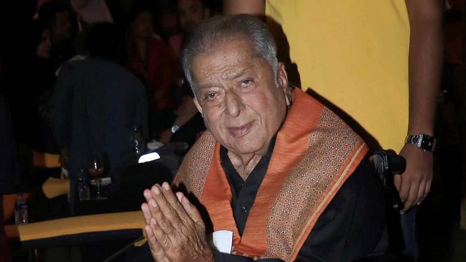 Veteran bollywood actor Shashi Kapoor dies at 79