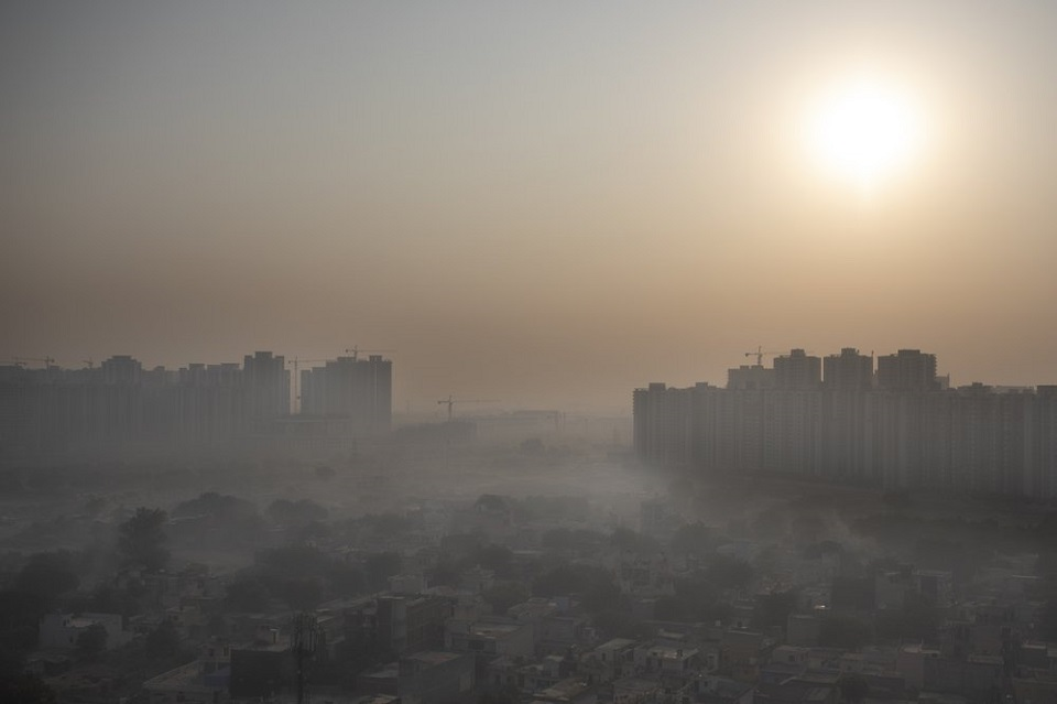 Smog returns to Indian capital as agriculture fires start