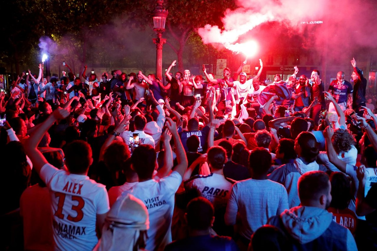 PSG fans flock to streets after clinching Champions League final spot