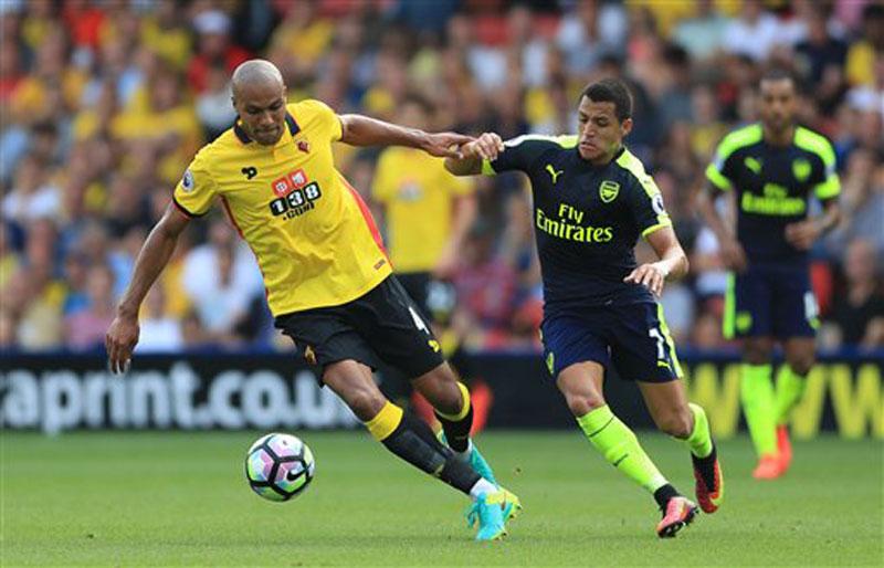 Sanchez inspires Arsenal to 3-1 win at Watford