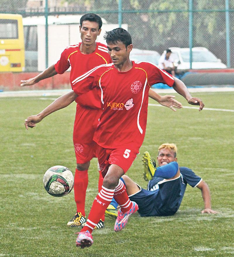 Shree Kumari climbs atop league table