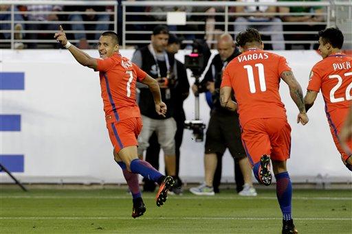 Chile routs Mexico, defending champions advance to semis