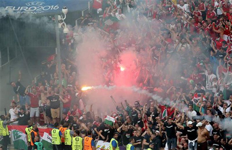 Hungary salvages 1-1 draw with Iceland amid crowd trouble