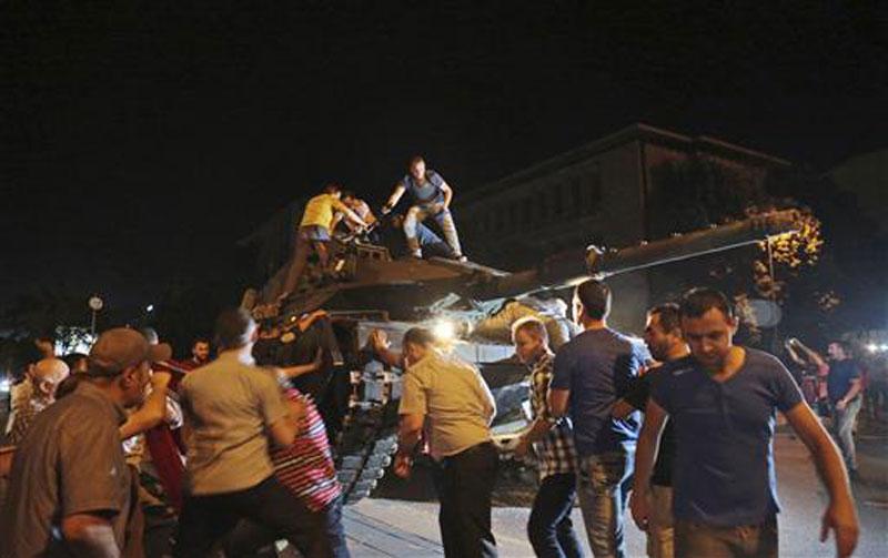 Prosecutor says 42 killed in Ankara attacks