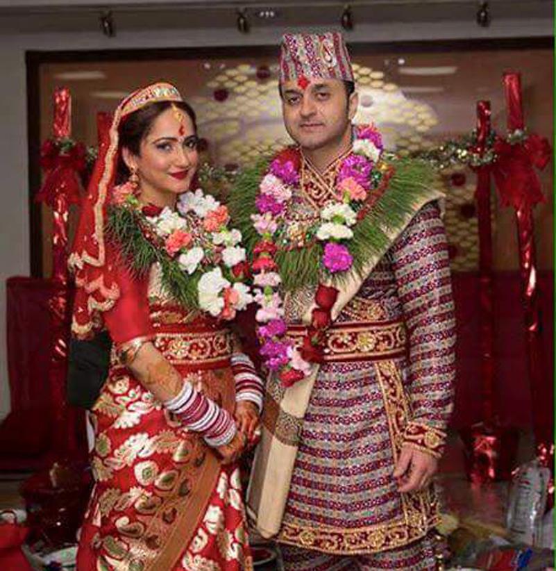 Artists Sudhanshu and Usha tie the knot