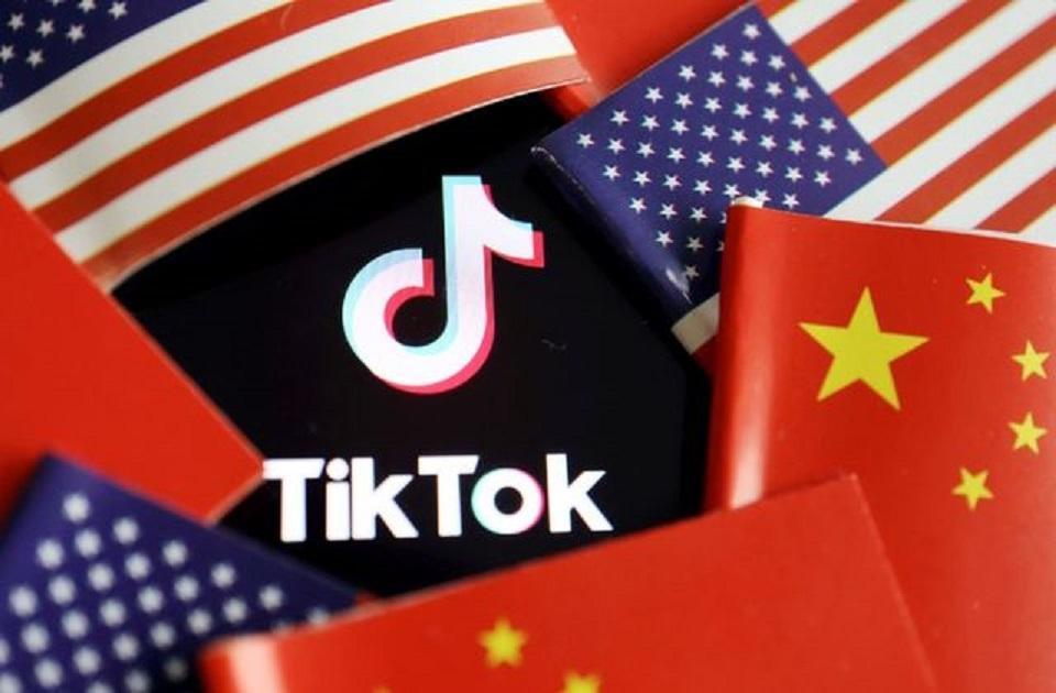 Trump to block U.S. downloads of TikTok, WeChat on Sunday: officials