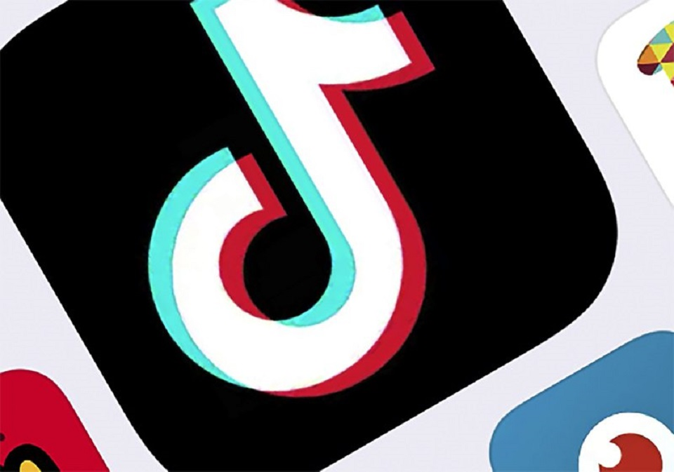 Pakistan bans Chinese app TikTok over unlawful content