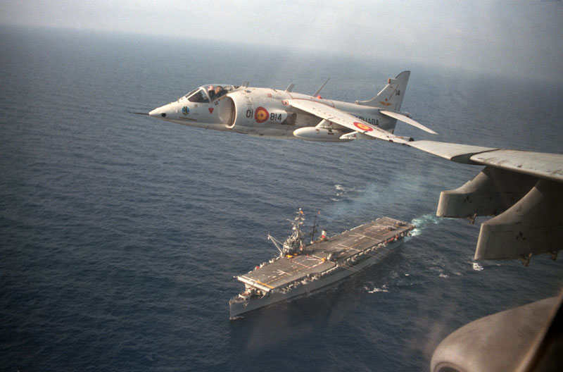 US military aircraft crashes off Japan