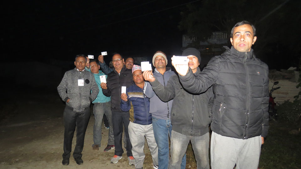 Excited voters reach early morning at polling centers