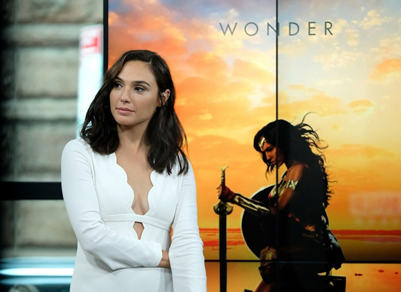 'Wonder Woman' dominating box office, leaves 'The Mummy' in dust