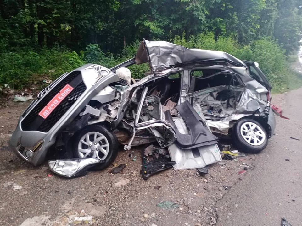 Truck-car collision kills 5 along East-West Highway