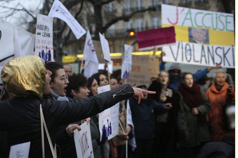Anti-Polanski protesters greet French film awards ceremony