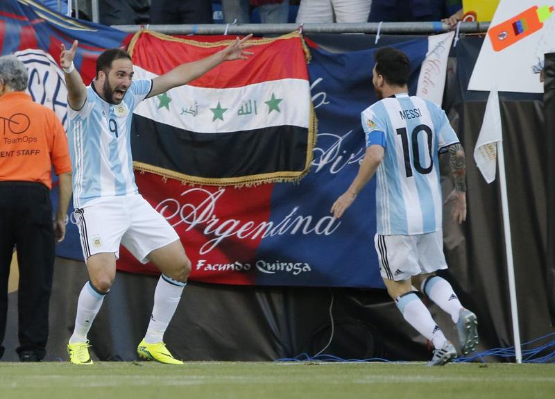 Messi starts, Argentina beats Venezuela 4-1