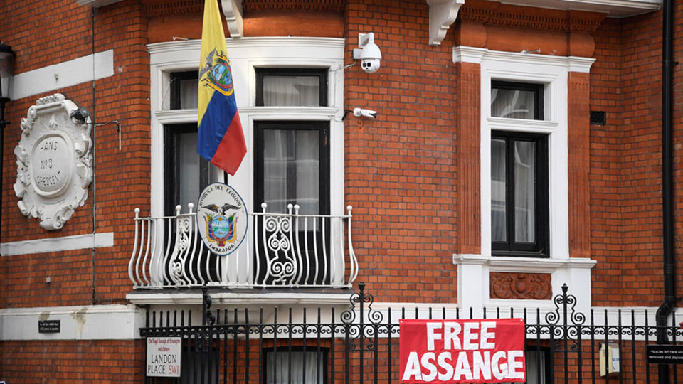 Prosecuting Assange for journalism a move towards 'dark ages of ignorance', say whistleblowers