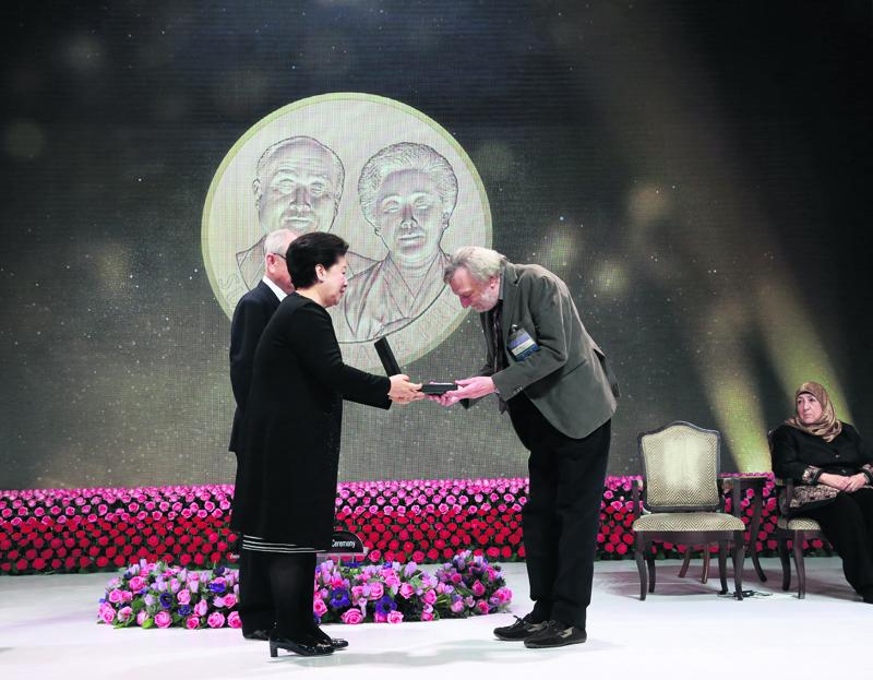 Italian surgeon, Afghan prof bag Sunhak Peace Prize
