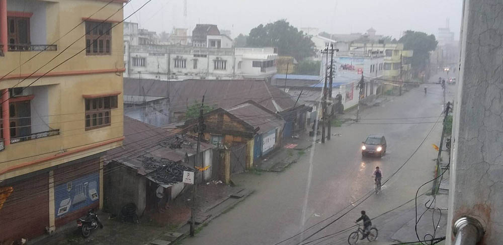 Continuous rain cripples normal life in eastern region