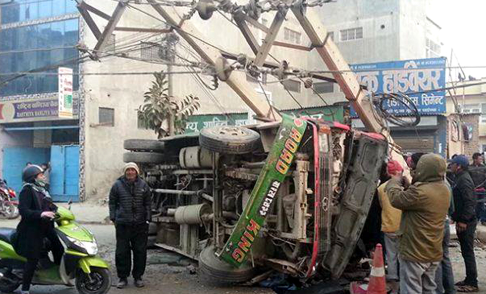17 injured in Maitidevi bus accident